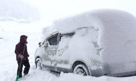 吹雪にも耐える?改造農業用ビニールハウス車庫 その1